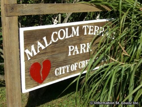 malcolm-terrace-park-sign-63141